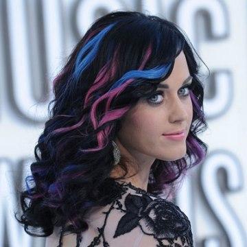 4-Rainbow-Hair-Katy-Perry