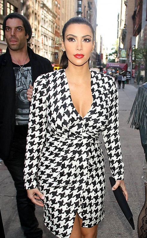 kim-kardashian-fashion-trend-houndstooth-dress-101111-18-492x798