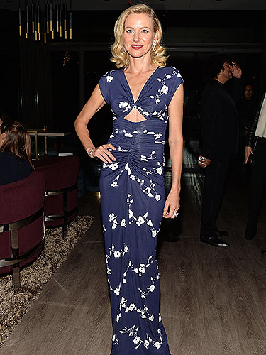 311013-naomi-watts-blue-floral-dress-lgn