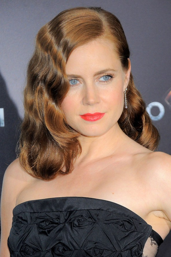 Amy-Adams_11jun13_rexfeatures_b_592x888